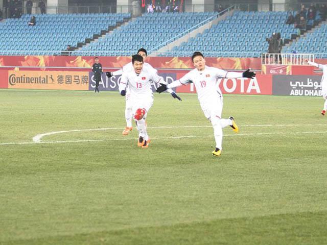 Cờ đỏ sao vàng rợp trời trên mạng chúc mừng U23 Việt Nam