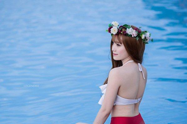 """Bạn gái hậu vệ Vũ Văn Thanh đẹp như hoa hậu, chơi đồ hiệu """"sang chảnh hết nấc"""" - 3"""