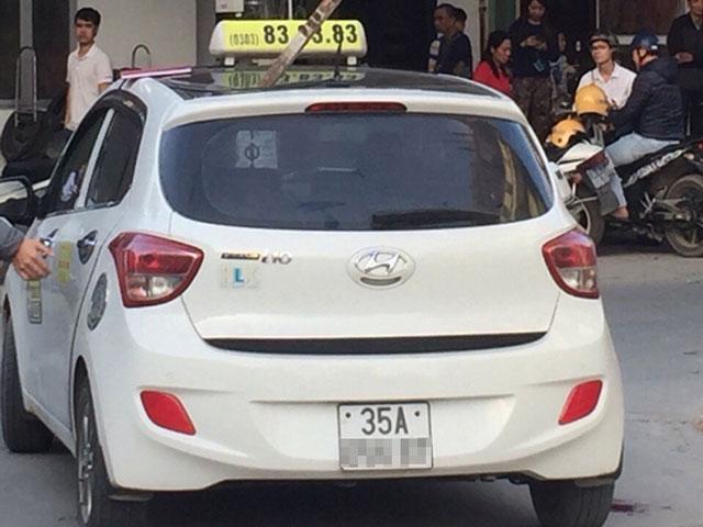 Hé lộ nguyên nhân vụ thanh sắt đâm thủng taxi khiến 1 người chết