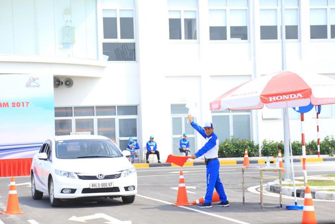 Bùng nổ các hoạt động Lái xe an toàn của Honda Việt Nam trong năm 2017 - 1