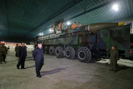 """Quân đội Triều Tiên bắt đầu """"thấm đòn"""" trừng phạt? - 1"""