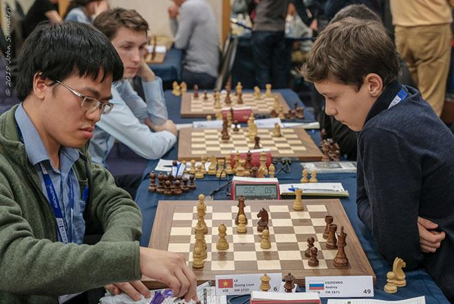 """Cờ vua thế giới: Quang Liêm hạ """"quái kiệt"""" Nga, dọa lấy ngôi nhà vô địch Mỹ - 1"""