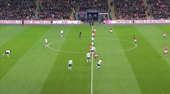 MU bị Tottenham chọc thủng lưới giây 11, nỗi oan khó nói - 1