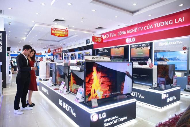 Thị trường TV 4K bùng nổ trước Tết - 1