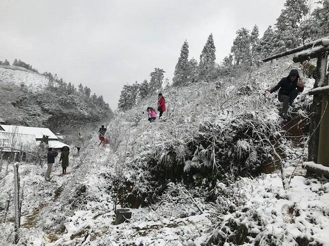 Miền Bắc tiếp tục rét đậm, rét hại dài ngày, vùng núi cao có băng giá - 1