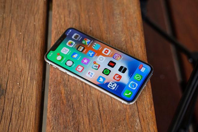 """iPhone bị """"chê"""" trong suốt kỳ mua sắm 2017, Apple vẫn lãi lớn - 1"""