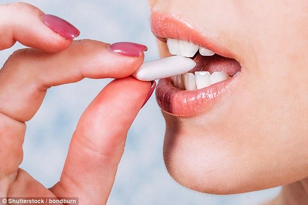 Phát hiện bất ngờ: Nhai keo cao su khiến hơi thở nặng mùi hơn - 1