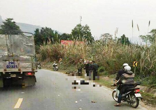 Va chạm với xe tải tại dốc Cun, 2 người đi xe máy tử vong - 1
