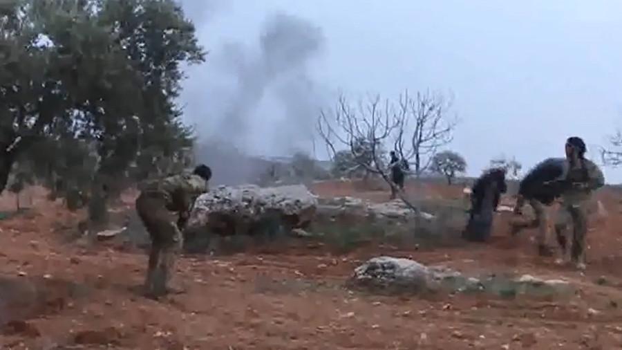 Phi công Su-25 bị bắn rơi quyết tử bằng lựu đạn với khủng bố Syria - 1