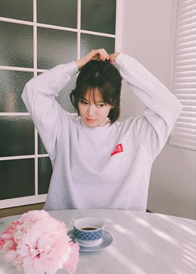 """Song Hye Kyo tiết lộ cuộc sống tân hôn """"mật ngọt"""" - 1"""