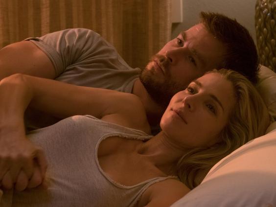 """""""Chàng Thor"""" kể chuyện đóng cảnh nóng với vợ ngay trên phim trường - 1"""