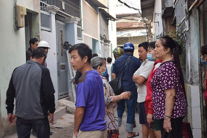 Tên cướp gài điện,tử thủ trong nhà dân ở quận Tân Bình - 8