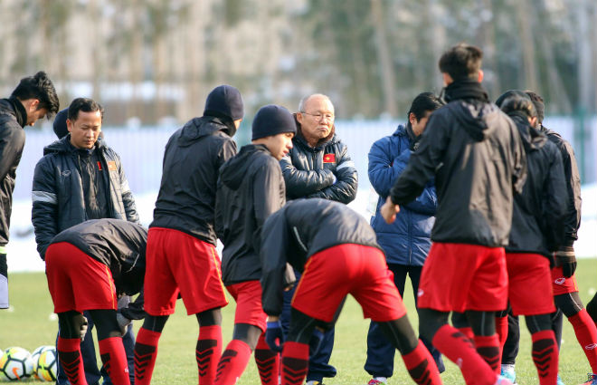 """U23 VN: Kém tiếng Việt, HLV Park Hang Seo dùng chiêu """"độc"""" nhớ tên học trò - 1"""