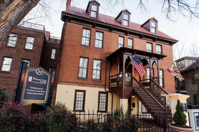 Historic Inns of Annapolis, Annapolis, Maryland, Mỹ (Năm 1695): Khách sạn được thành lập từ 3 tòa nhà gồm The Maryland Inn, Governor Calvert House và Robert Johnson House.