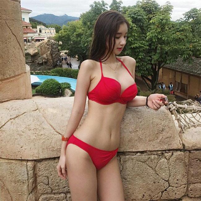 Những kiểu bikini gợi cảm không còn xa lạ đối với chị em Hàn Quốc.