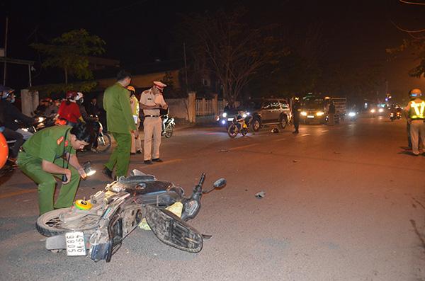 Tông vào hiện trường vụ tai nạn giao thông, 1 thanh niên tử vong - 1