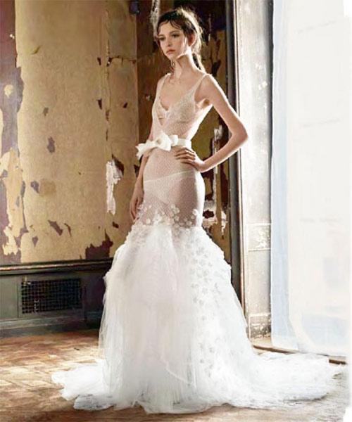 Ngã ngửa vì những cô dâu mặc váy cưới như ở trần - 14