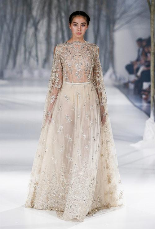 Ngã ngửa vì những cô dâu mặc váy cưới như ở trần - 11