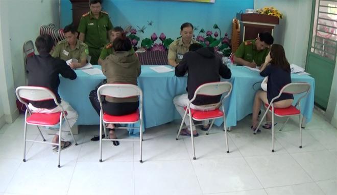 """Nhiều nam nữ """"phê"""" ma túy trong khách sạn ở Sài Gòn ngày 26 Tết - 3"""