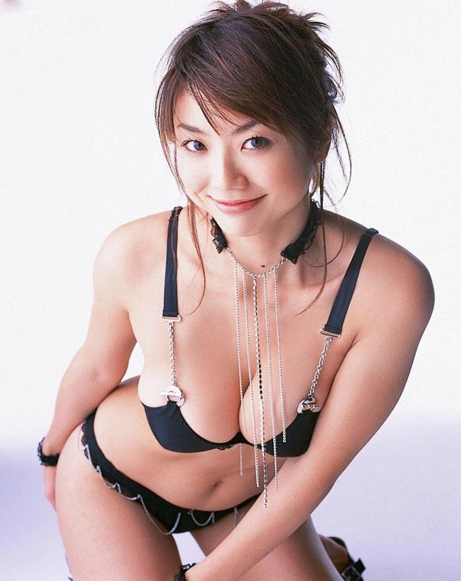 """Vẻ """"phồn thực"""" của mẫu nữ tuổi Tuất khiến đàn ông Nhật si mê - 2"""