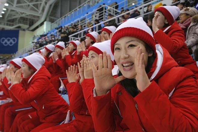 """Cận cảnh màn đồng diễn """"triệu like"""" của mỹ nữ Triều Tiên (Olympic mùa đông 2018) - 1"""