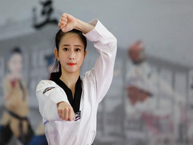 Châu Tuyết Vân: Từ cô nàng cứng đầu đến nhà vô địch thế giới
