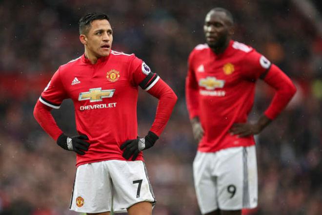 """Alexis Sanchez khốn khổ: Thoát kiếp """"gánh"""" Arsenal, lại lo """"gánh"""" MU - 1"""
