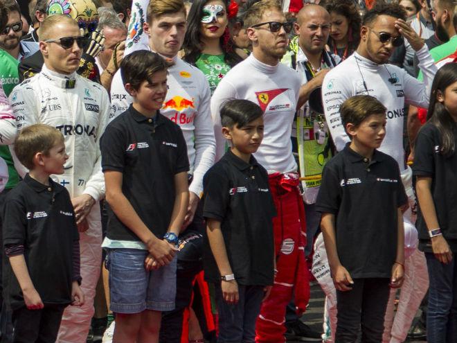 """Đua xe F1 2018: Thay thế """"chân dài"""", chỉnh giờ tránh World Cup - 1"""