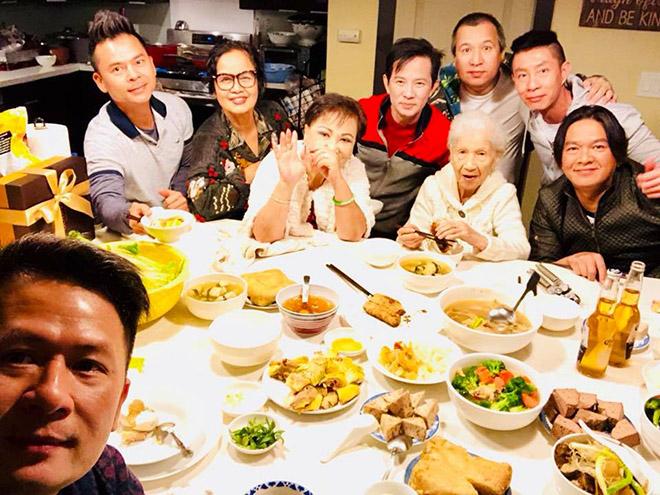 Bằng Kiều tiết lộ cát-xê nghệ sĩ diễn Tết tại Việt Nam và Mỹ - 1