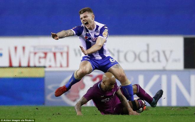 """Man City thua sốc ở FA Cup: Pep chối không """"cà khịa"""" HLV Wigan - 1"""