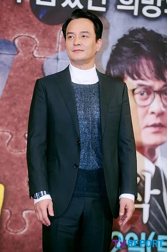 Tài tử nổi tiếng Hàn Quốc bị các nữ sinh tố quấy rối tình dục trong nhiều năm - 1