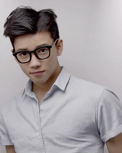Hot boy điển trai gốc Việt Chris Khoa trở thành cố vấn Bộ Tài chính Anh - 1