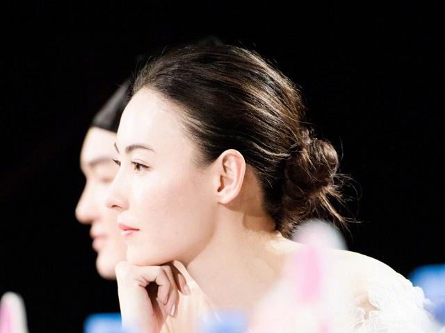Trương Bá Chi ám chỉ có tình mới, muốn sinh con trong năm 2018