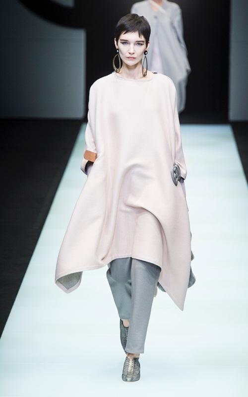 BST gần 100 mẫu cực sang chảnh của Giorgio Armani ở Milan Fashion Week - 3