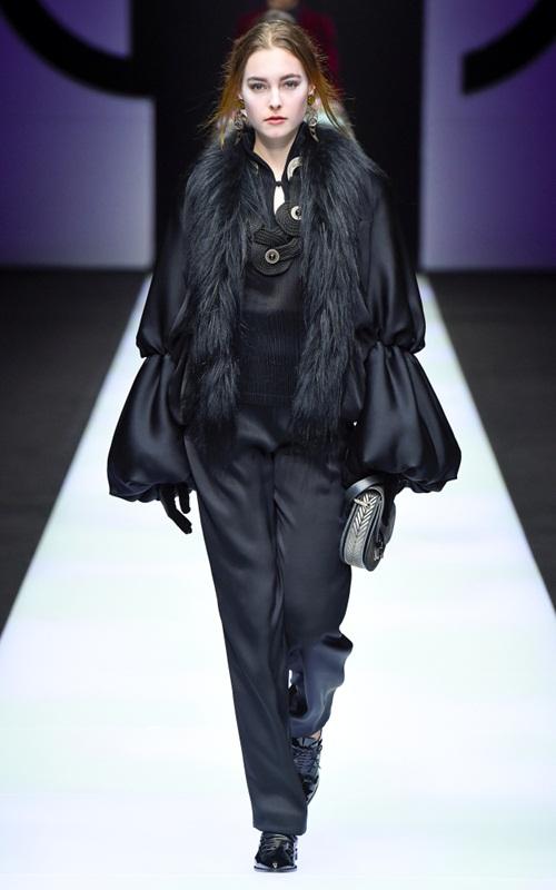 BST gần 100 mẫu cực sang chảnh của Giorgio Armani ở Milan Fashion Week - 4