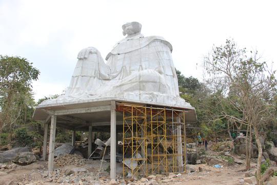 Lén lút xây tượng Bà Chúa Xứ Núi Sam thứ 2 trong đêm - 1