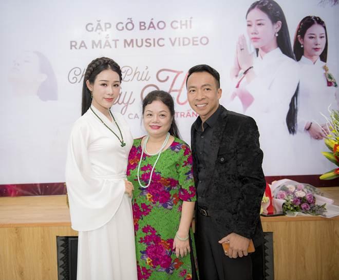 Hoa Trần từng định tự tử vì trầm cảm sau sinh con cho NSƯT Việt Hoàn - 1
