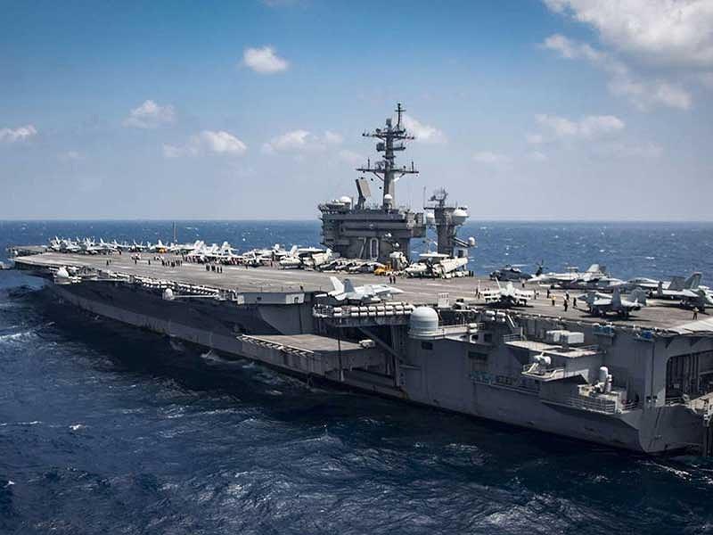 Uy lực siêu tàu sân bay Mỹ sắp đến Việt Nam - 1