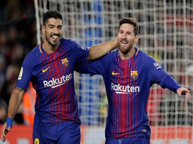 """""""Song tấu"""" Barca phá lưới hơn 74 CLB: Thầy Ronaldo đòi treo giò Messi"""