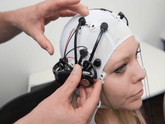 Sẽ sớm tích hợp trí tuệ nhân tạo lên cơ thể con người