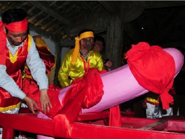"""""""Của quý"""" – tàng thinh tại lễ hội táo bạo nhất VN năm nay có gì đặc biệt?"""