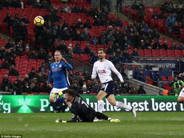 Tottenham - Rochdale: Hat-trick 12 phút, siêu đại tiệc 7 bàn