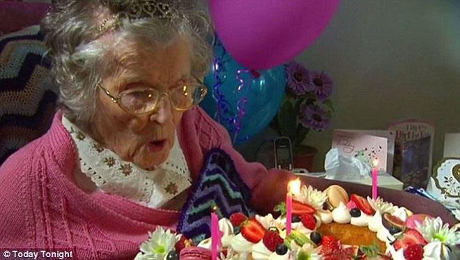 Cụ bà thọ nhất nước Úc tiết lộ bí quyết sống lâu sống khỏe - 1