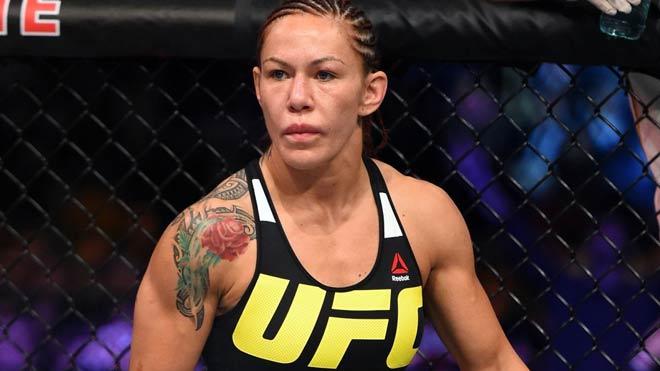"""Nữ quái"" UFC dọa vặn cổ Mayweather nếu dám đấu MMA - 1"