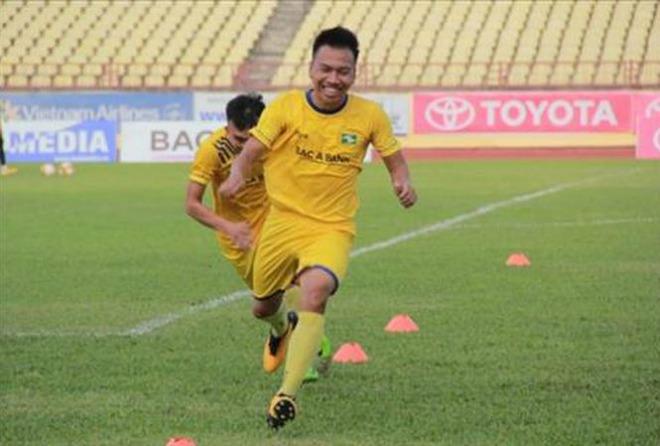 Sao SLNA đoạt danh hiệu Cầu thủ xuất sắc nhất châu Á - 1