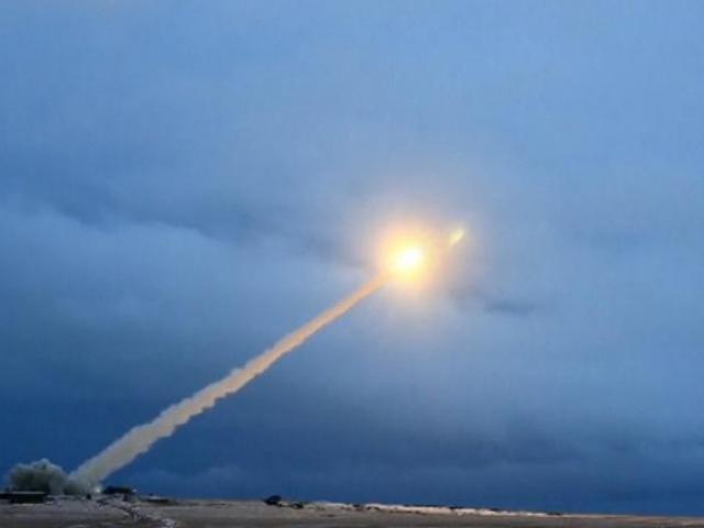 """Mỹ nói gì về tên lửa """"bất khả chiến bại"""" mà ông Putin tiết lộ?"""