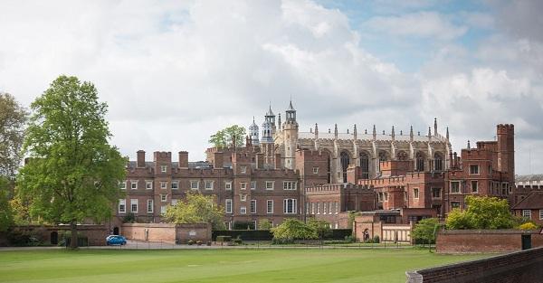 Trải nghiệm cuộc sống ít ai ngờ tại trường trung học quý tộc Anh quốc - 1