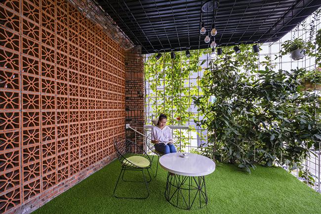 """""""Tạo không gian, nâng cao cuộc sống - nâng cao giá trị của Việt Nam"""" là triết lý màcác kiến trúc sư theo đuổi thiết kế. Điều này cho phép dự án được xây dựng nhanh nhưng vẫn đảm bảo chất lượng của mỗi không gian sống, tính linh hoạt, gần với thiên nhiên và chi phí xây dựng thấp."""