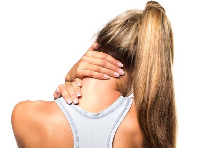 Những bài thuốc tự nhiên cực đơn giản trị đau cổ cho dân văn phòng