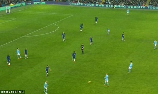Chelsea rối loạn: Dàn sao hò nhau lật ghế Conte, Barca đâm lo sợ - 1